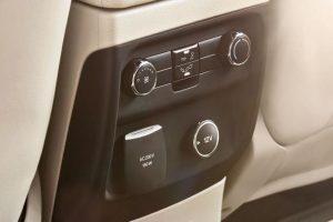 điều chỉnh gió hàng ghế thứ 2 trên xe ford everest 2017