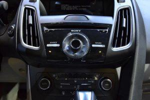 hệ thống âm thanh xe ford focus 2017