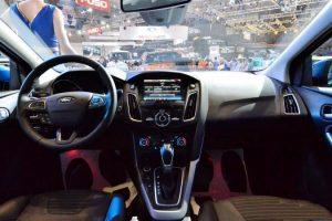 hệ thống giải trí xe ford focus 2017