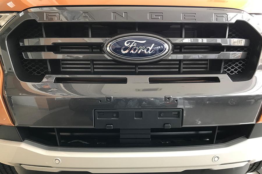 Ngoại thất Ford Ranger XLS 2.2L 4X2 MT - Hình 5