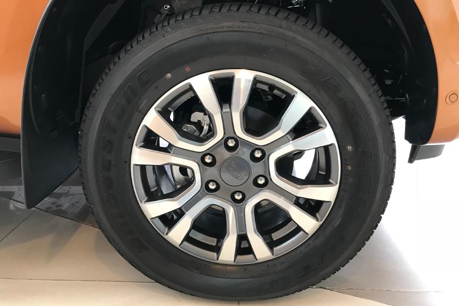 Ngoại thất Ford Ranger XLS 2.2L 4X2 MT - Hình 7