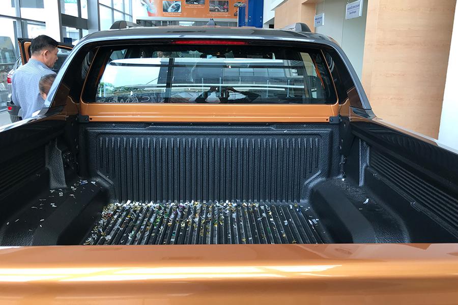 Ngoại thất Ford Ranger XLS 2.2L 4X2 MT - Hình 8