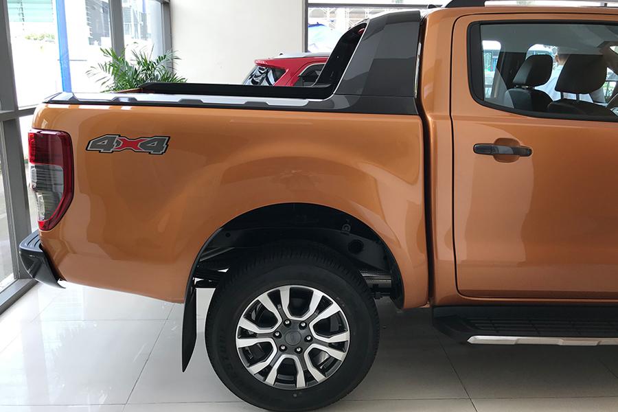 Ngoại thất Ford Ranger XLS 2.2L 4X2 MT - Hình 9