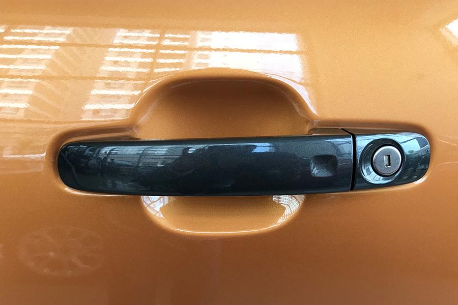Ngoại thất Ford Ranger XLS 2.2L 4X2 MT - Hình 10