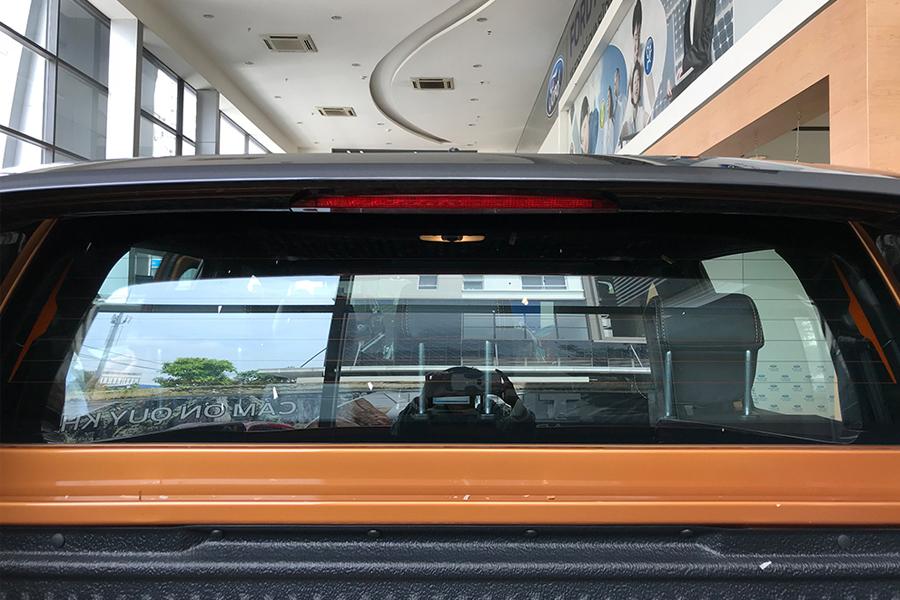 Ngoại thất Ford Ranger XLS 2.2L 4X2 MT - Hình 11