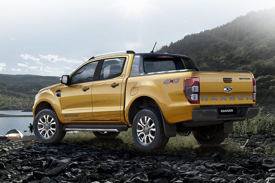 Ngoại thất Ford Ranger XLS 2.2L 4X2 MT - Hình 13