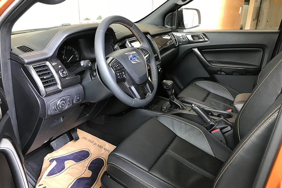 Nội thất Ford Ranger XLS 2.2L 4X2 MT - Hình 1