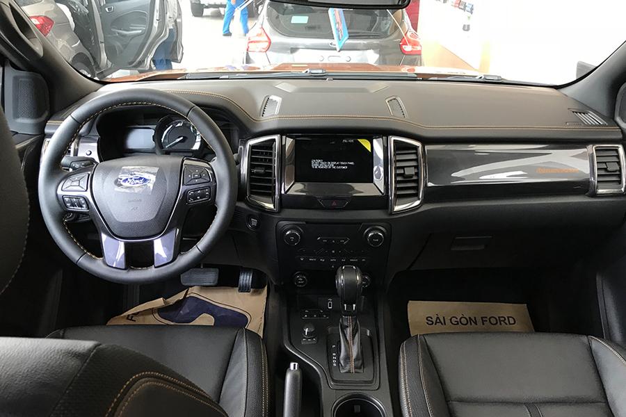 Nội thất Ford Ranger XLS 2.2L 4X2 MT - Hình 2