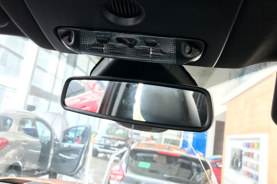 Nội thất Ford Ranger XLS 2.2L 4X2 MT - Hình 7