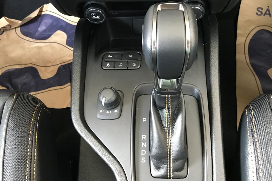Vận hành Ford Ranger XLS 2.2L 4X2 MT - Hình 2