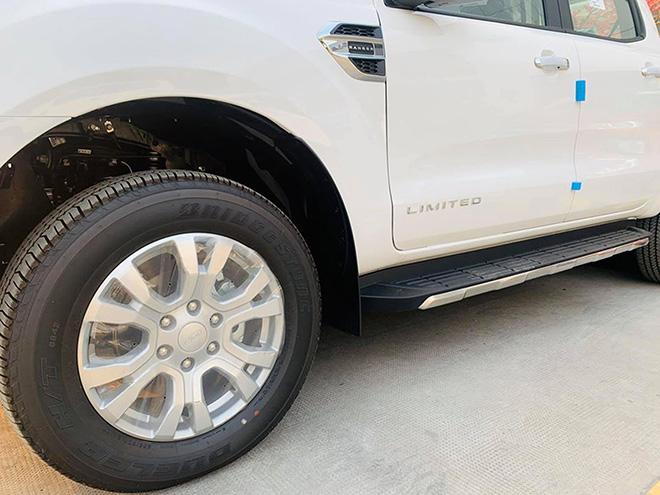 Ford-Ranger-limited-2020-trang-banh-xe