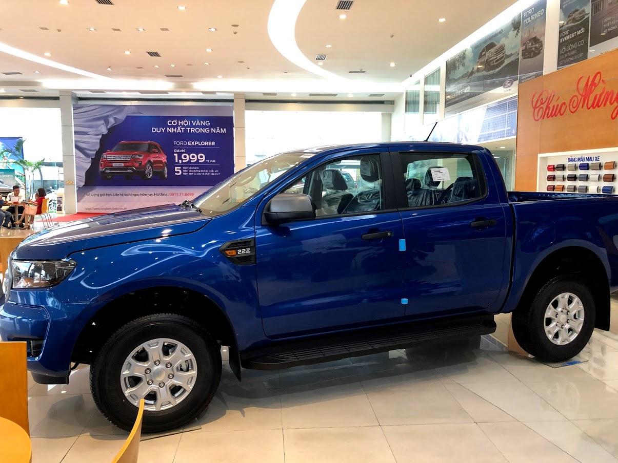 ford-ranger-xanh
